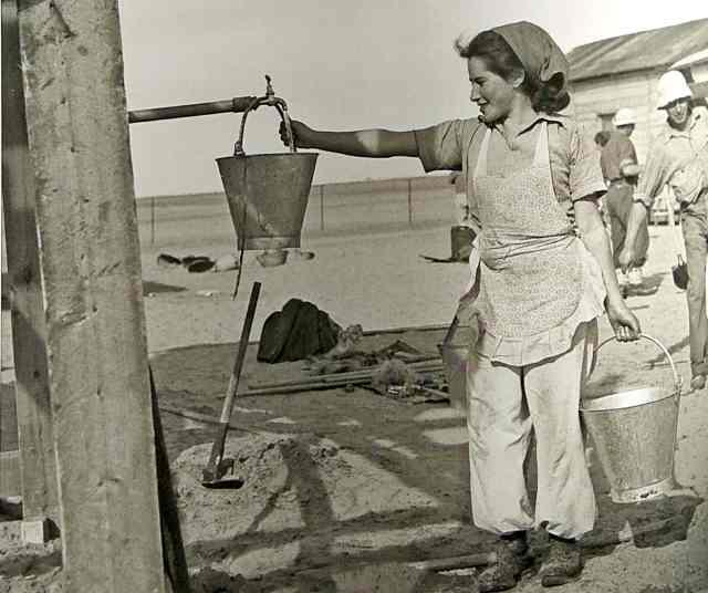 מים לנירים במיכלים 1947